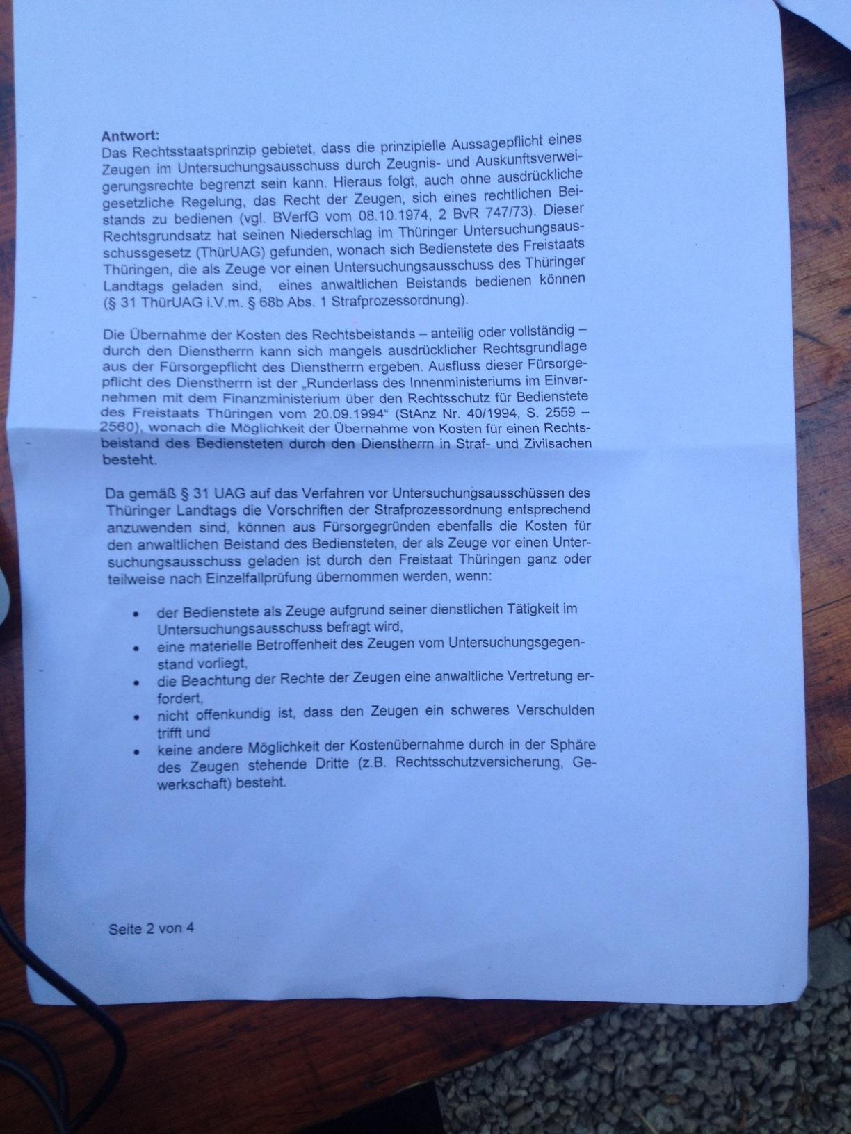 Verfassungsschutz sponsert Promianwalt für seine Geheimdienstler vor U-Ausschuss