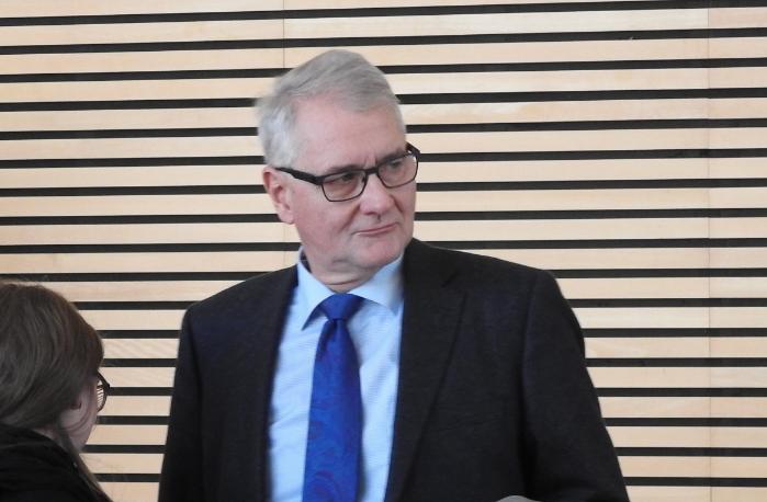 UA 6/1 Protokoll 03.12.2015 – 2. Thüringer NSU-Untersuchungsausschuss (OB, Rettungssanitäter, Notarzt, Kripo)