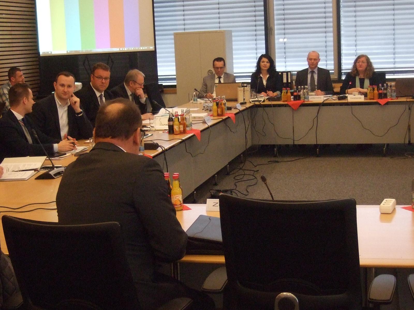 UA 6/1 Protokoll 28.04.2016 – 2. Thüringer NSU-Untersuchungsausschuss (4.11.2011, Spurensicherung, Polizeidirektor Menzel)