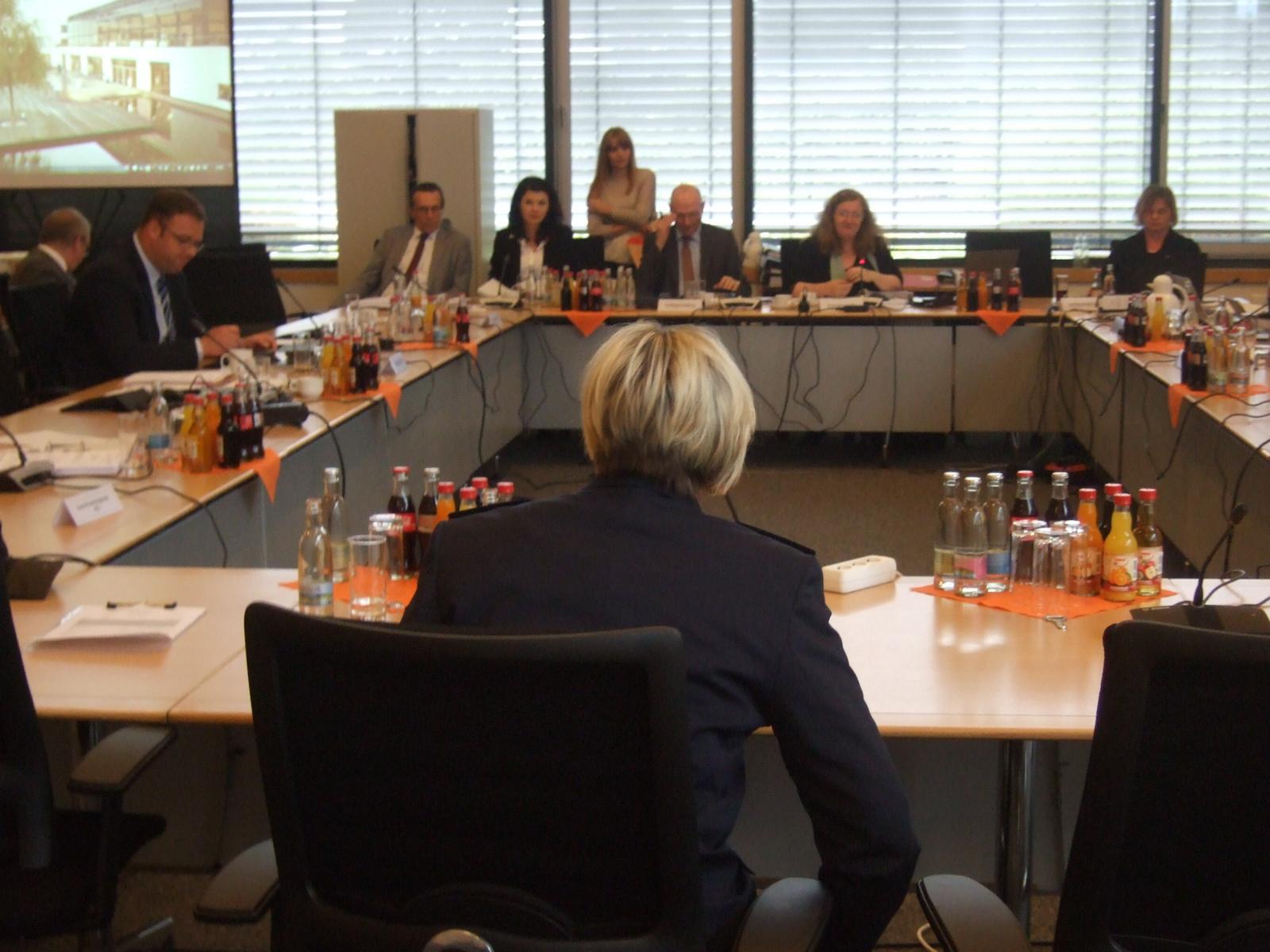 UA 6/1 Protokoll 02.06.2016 – 2. Thüringer NSU-Untersuchungsausschuss (4.11. + 5.11.2011, Lagebesprechung PD Gotha, Baden-Württemberger Polizisten)